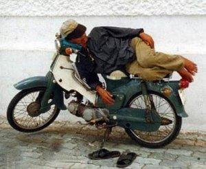 biker ngantuk